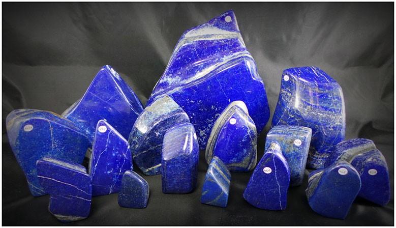 Magnigiques pièces de lapis lazuli de Pakistan